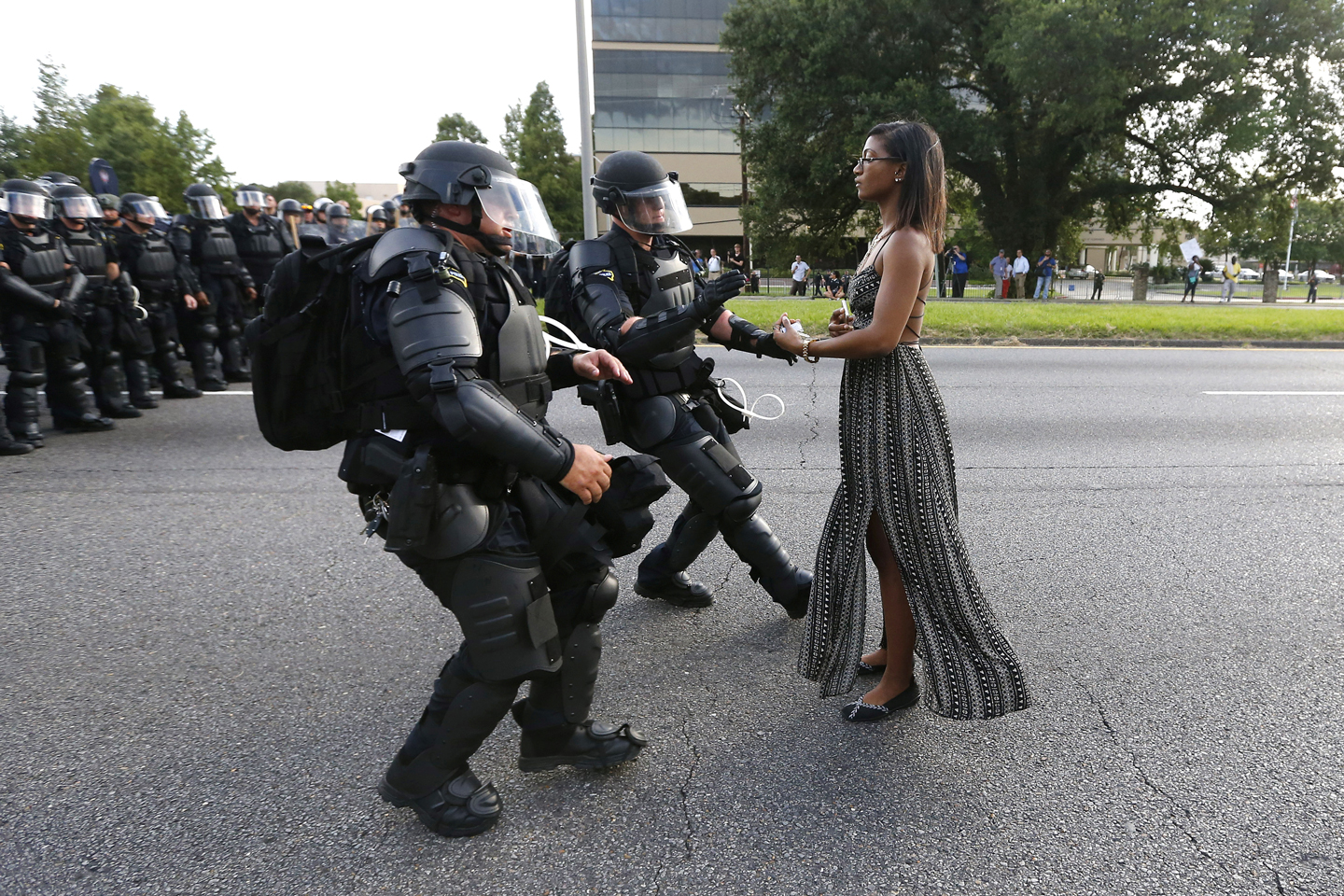 https://theintercept.com/wp-uploads/sites/1/2016/07/baton-rouge-protester.jpg