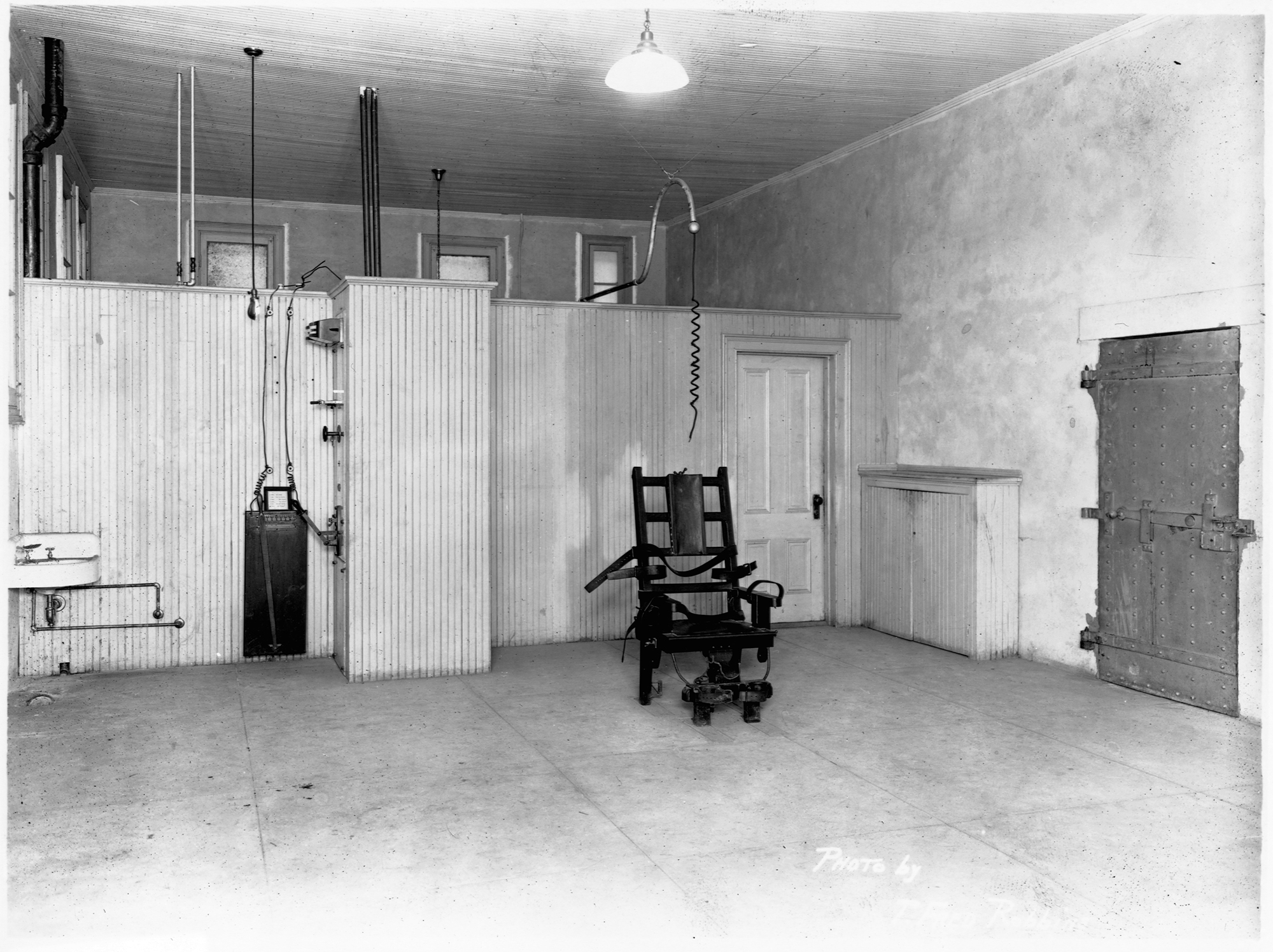 First electric chair victim - Arkansas Plans To Execute Seven People This Month Continuing Long Tradition Of Assembly Line Killing
