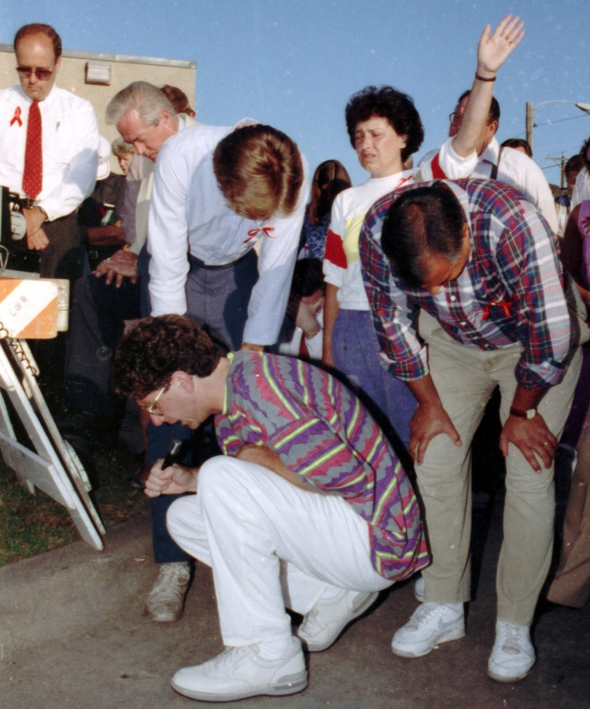 FILE - In this Tuesday, Aug. 6, 1991 file photo, Operation Rescue founder Randall Terry kneels in prayer outside the Woman's Health Care Services abortion clinic in Wichita, Kan. with over 1,000 other protesters. (AP Photo/Steve Rasmussen)