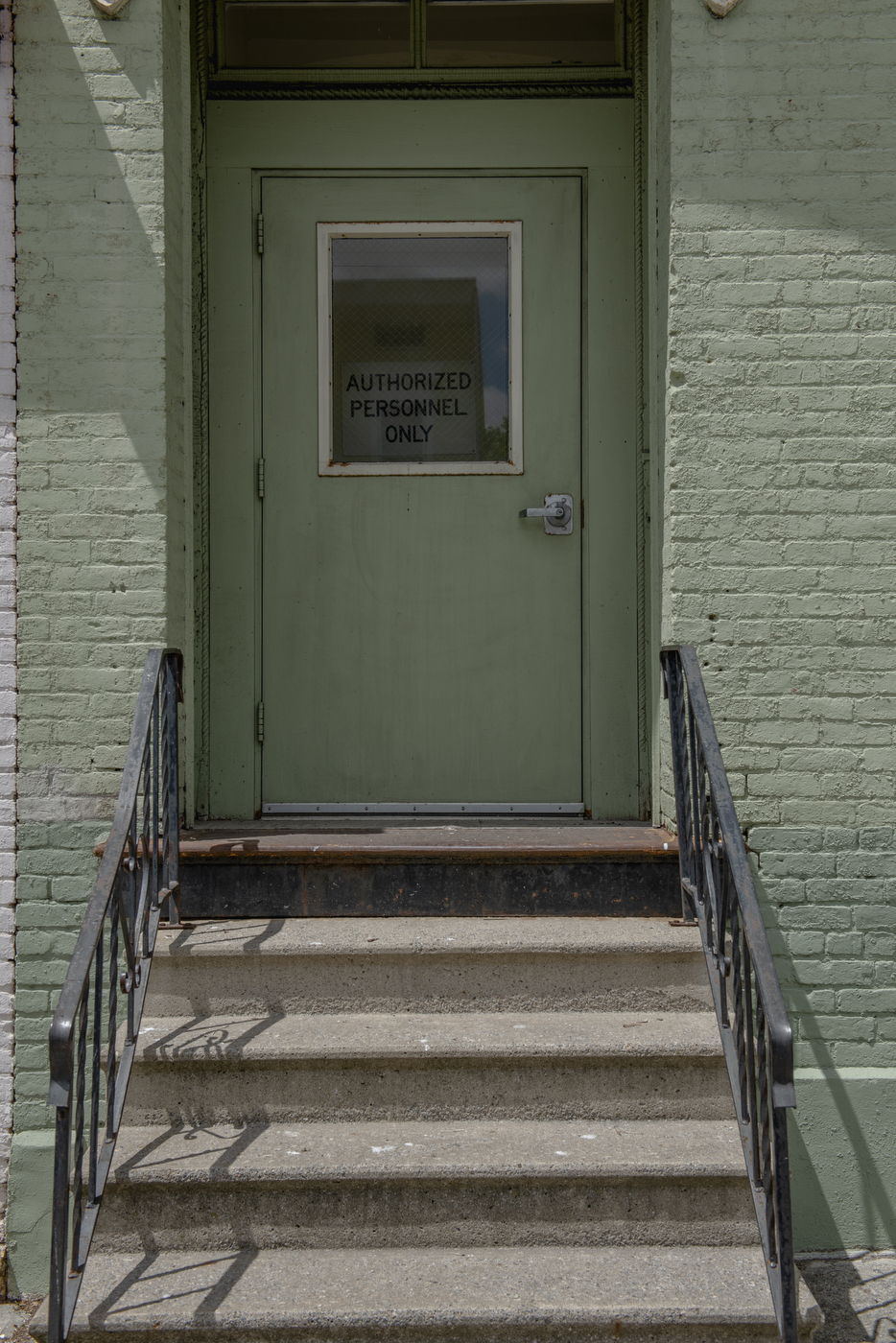 The entranceway to one of the two Horizon Houses on Elizabehth Street in Albany, seen here May 16 2020.